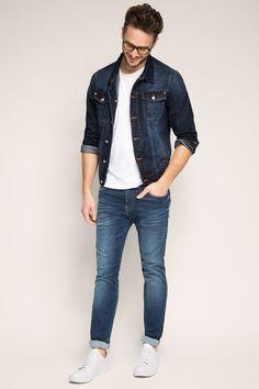 Maatinformatie:  -Zoomwijdte in maat 32/32 ca. 34 cm, varieert per maat  Details:  -Dynamic denim maakt deze premium jeans bijzonder comfortabel. -Het materiaal is buitengewoon elastisch, beweegt mee, voelt aangenaam zacht aan en blijft zowel bij het dragen als na vele wasbeurten in model.  -Verschillende wassingen met variërende intensiteit en sterkere of minder sterke used effecten bieden voor elke smaak de passende jeans.  -De band wordt gesloten met een rits. -De lussen zijn geschikt…