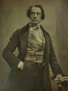 A striking Charles Dickens (author of 'A Christmas Carol') is photographed circa 1850 in London in his late Old Photos, Vintage Photos, Little Dorrit, English Writers, Writers And Poets, Christmas Carol, Book Authors, Famous Faces, Historical Photos