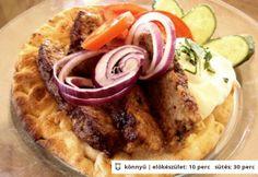 Igazi görög gyros házilag Greece Food, Hungarian Recipes, Hungarian Food, Beef Recipes, Feta, Hamburger, Waffles, Sausage, Bacon