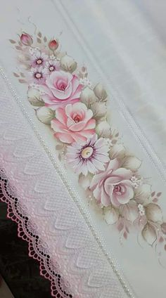 Fearsome Interior Painting To Get Ideas Daisy Painting, One Stroke Painting, Painting Tips, Fabric Painting, Decorative Towels, Blue Roses, Hand Towels, Hand Embroidery, Stencils