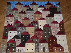 House Quilt Block, House Quilts, Quilt Blocks, Patchwork Log Cabin, Log Cabin Quilts, Mini Quilts, Mug Rugs, Quilt Tutorials, Quilt Patterns
