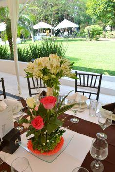 #Bodas Centro de mesa alto www.pavorealdelrincon.com.mx