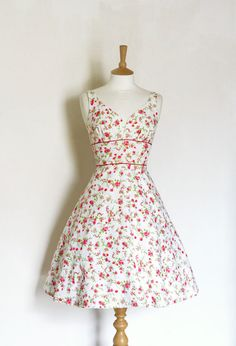 Beautiful vintage red and pink floral print sweetheart tea dress - Made by Dig For Victory