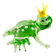 Princess Frog Figurine is a hand-blown glass figurine which is made by the Russian artist in the art studio in Saint-Petersburg in technique of lampwoking of color glass.