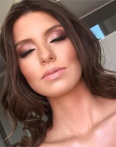 Make natural for brides, work and photo Suzana Lima makeup artist, professional top of Curitiba. Wedding Makeup Tips, Natural Wedding Makeup, Bridal Makeup, Natural Makeup, Circus Makeup, Carnival Makeup, Beauty Make-up, Beauty Skin, Hair Beauty