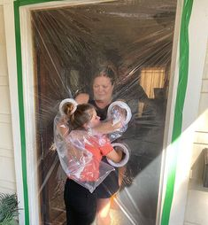 Designs A Plastic Curtain To Be Able To Hug Her Grandparents Safely During Quarantine