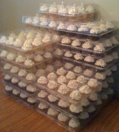 Keeping It Stepford: Make Ahead Cupcake Tutorial Baking Cupcakes, Yummy Cupcakes, Cupcake Cookies, Cupcake Recipes, Cupcake Ideas, Wedding Cupcakes, Graduation Cupcakes, Wedding Desserts, Graduation Ideas