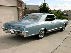 1965 Riviera righ rear American Classic Cars, American Muscle Cars, 1965 Buick Riviera, General Motors Cars, Motor Car, Retro Style, Rat, Over The Years, Retro Fashion
