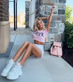 Cute Shoes Heels, At Home Gym, Short Skirts, Dress Skirt, Curly Hair Styles, White Shorts, Girl Outfits, Style Inspiration, My Style