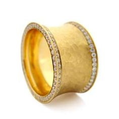 gold wedding band w/ diamonds