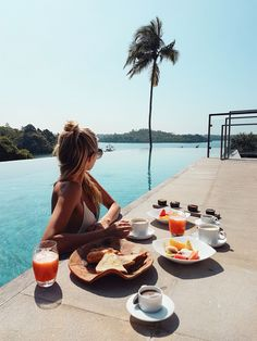 Summertime | Girl | Pool | Sun | Breakfast | More on Fashionchick.nl