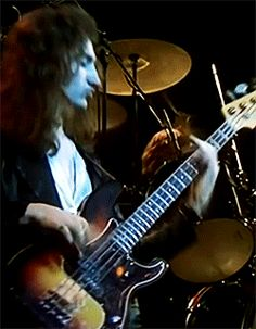 That Bass Player Queen Ii, I Am A Queen, Save The Queen, John Deacon, Princes Of The Universe, King Of Queens, Perfect Music, Queen Pictures, Ben Hardy