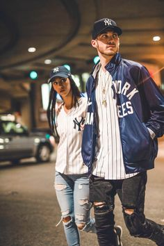 Game day ready in official MLB on field gear Basketball Jersey Outfit, Baseball Outfits, Hip Hop Outfits, Outfits With Hats, Sport Outfits, Yankees Outfit, Yankees Hat, Nba Fashion, Sport Fashion