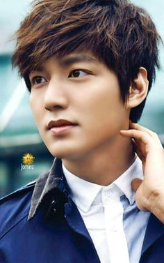 LMH: that thing where he touches his neck Asian Actors, Korean Actresses, Korean Actors, Actors & Actresses, Korean Dramas, Boys Over Flowers, Korean Star, Korean Men, Sehun