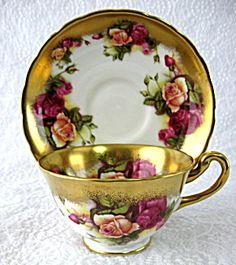 Cup And Saucer Royal Chelsea Golden Rose Wide Sponge Gold Trim! Tea Cup Set, My Cup Of Tea, Tea Cup Saucer, Tea Sets, China Cups And Saucers, China Tea Cups, Teapots And Cups, Teacups, Antique Tea Cups