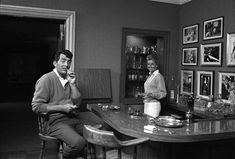 hollywood pictures of dean martin   Dean Martin at his Brentwood, California home with his wife Jeanne