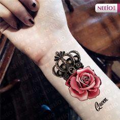 Crown Tattoo with Rose Tattoo Idea.By Artist Unknown. Tattoos Bras, Paar Tattoos, Skull Tattoos, Rose Tattoos, Flower Tattoos, Body Art Tattoos, New Tattoos, Army Tattoos, Tatoos