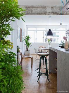 35-decoracao-cozinha-integrada-bancada-ilha-concreto