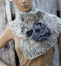 Knitt Scarf Capelet Woman winter fashion  Cape White ecru