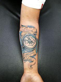 Brújula tattoo
