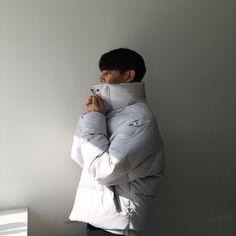 감기 몸살 조심하세요... 우리 모레스팀들 전부 훌쩍훌쩍 엣취!!!! ㅠㅠ Winter Jackets, Park, Fashion, Winter Coats, Moda, Winter Vest Outfits, Fashion Styles, Parks, Fashion Illustrations