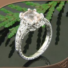Awesome antique style ring!