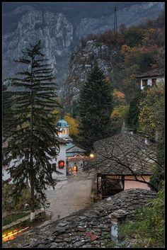 Cherepish Monastery in Bulgaria (photo by Ivan Miladinov)