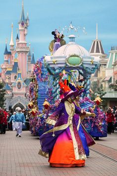 Disney's Magic on Parade with thedreamtravelgroup.co.uk