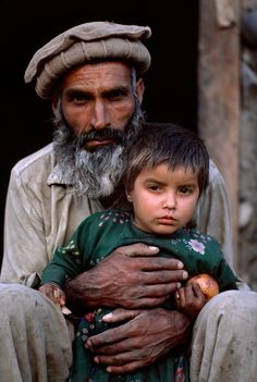 Father and daughter, Afghanistan, 1984 Steve McCurry