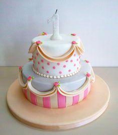Click para cerrar la imagen Girly Cakes, Cute Cakes, Carnival Birthday, Birthday Cake Girls, Zoe Cake, 1st Year Cake, Themed Cakes, Cake Art, Party
