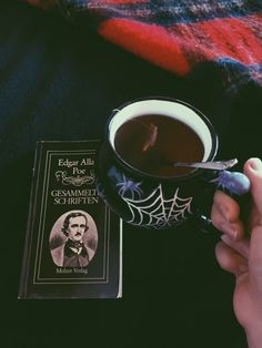 This looks spooky and cozy at the same time. Halloween Season, Fall Halloween, Happy Halloween, Damien Bloodmarch, Goth Aesthetic, Gothic House, Wiccan, Hygge, Creepy