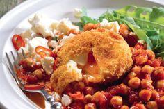 Cizrna v rajčatové omáčce s vejci v trojobalu