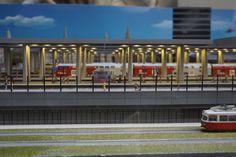 Hauptbahnhof in Wien. Loki, Budapest, Central Station, Hungary, Model Train, Curls