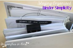 Just a few simply organized binders = Cohesive and organized school year! Making binders work for you. LOVE ORGANIZATION!!