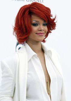 Rihanna Awards, Beauty Behind The Madness, Rihanna Fenty, Celebs, Actresses, Long Hair Styles, Photo And Video, Womens Fashion, People