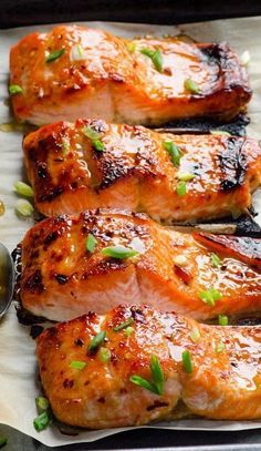 Baked Thai Salmon Recipe (crispy honey garlic salmon) -- 3 ingredient & 15 minute out of this world healthy dinner! Salmon Dishes, Fish Dishes, Seafood Dishes, Seafood Bake, Seafood Platter, Thai Dishes, Fresh Seafood, Clean Eating Recipes, Cooking Recipes