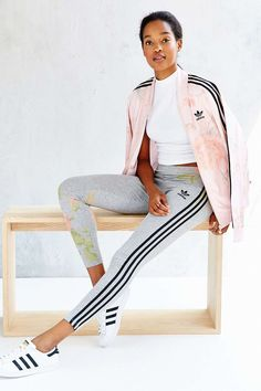 adidas Originals Pastel Rose Legging from Urban Outfitters. Shop more products from Urban Outfitters on Wanelo. Adidas Fashion, Sport Fashion, Fitness Fashion, Gym Fashion, Gym Style, Sporty Style, Sporty Outfits, Cute Outfits, Looks Academia