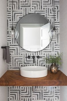 59 Phenomenal Powder Room Ideas & Half Bath Designs You've come to the right spot if you are looking for inspirational powder room ideas or half bath designs. No matter the size or square footage of a home, adding a powder room or a half bath is always… Design Room, Design Studio, Bath Design, Tiny Powder Rooms, Modern Powder Rooms, Powder Room Decor, Powder Room Design, Powder Room Lighting, Rustic Powder Room
