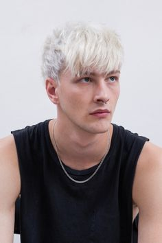 Most Popular Hair & Beard Model For Men Young Mens Hairstyles, Trending Hairstyles For Men, Hipster Haircuts For Men, Side Part Hairstyles, Cool Haircuts, Mens Hair Colour, Hair Color, Undercut Fade Hairstyle, Natural Brown Hair