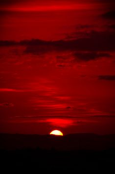 Dark Red (Burgundy) sky at night...