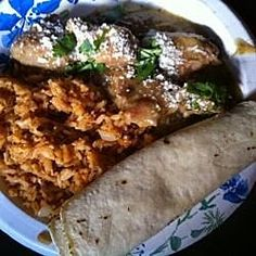 Chile Verde II--A delicious Mexican dish of pork simmered in tomatillos and chiles Tamale Recipe, Tortilla Recipe, Mexican Dishes, Mexican Food Recipes, Mexican Cooking, Pork Recipes, Recipe For Chile Verde, Green Chili Pork, Large Crock Pot