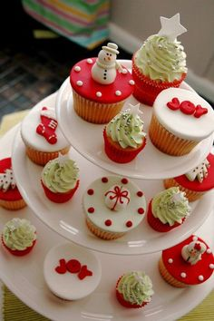 Christmas vanilla cupcakes. Play along with the red and white food color combination to make your vanilla cakes become more attractive to your guests.