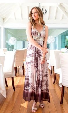 Designer kaftans and luxurious beachwear from Lindsey Brown Luxe Resortwear in gorgeous cotton and silks compliment the swimwear from beach to bar. Short Beach Dresses, Beachwear, Swimwear, Holiday Dresses, Resort Wear, Kaftan, Designer Dresses, Silk, Celebrities