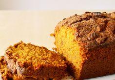 """Een heel fijn recept van de leuke siteVoedzo.nl: Suikervrij, zuivelvrij & glutenvrij pompoenbrood. Heel fijn voor mensen met bijvoorbeeld coeliakie. Sharon van Voedzo: """"Deze verrassende combinatie van pompoen met vanille is echt heerlijk en je lunch is absoluut niet saai met een plak van dit overheerlijke brood. En het vult ook goed, want die amandelmeel […]"""