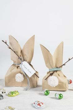 : Make homemade Easter bunny bags for kids DIY easter bunny goody bags. A fun easter project by Søstrene GreneDIY easter bunny goody bags. A fun easter project by Søstrene Grene Easter Projects, Easter Crafts, Diy Projects, Easter Decor, Diy Easter Bags, Easter Dyi, Easter Garden, Easter Gifts For Kids, Easter Table Decorations