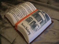 Bravo to this open book cake by Swirek!