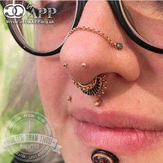 Image result for mantis piercings #invertedlabretjewelry Face Piercings, Lip Piercing, Double Nostril Piercing, Labret Jewelry, Nose Jewelry, Body Jewelry Shop, Body Jewellery, Body Adornment, Stud Earrings