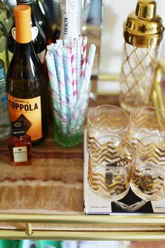 cute gold chevron glasses & paper straws