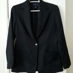 Anne Klein vintage black blazer. Anne Klein vintage black blazer. Size 6. Great quality and condition. No trades. Anne Klein Jackets & Coats Blazers