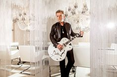 Billy Duffy and one of his hollow body loves